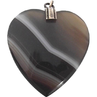 Antique Scottish banded agate pendant