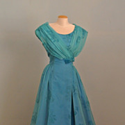 A Vintage Sleeveless Blue Evening / Prom Gown