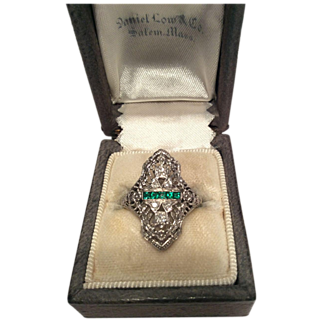 18 K White Gold Ring with Diamonds and Emeralds