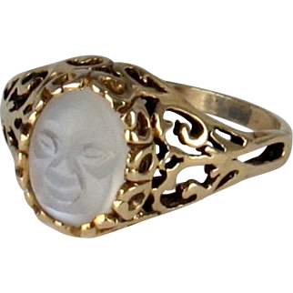 Late Victorian 14K Man-in-the-Moon Carved Moonstone Ring