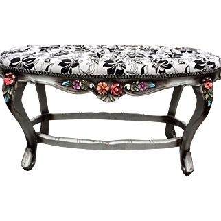 Beautiful Venetian bed bench with original wood frame