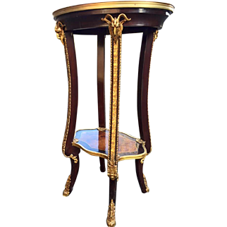 Side table, with French decorative elements