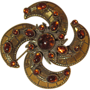 ROBERT- Unusual Vintage Brooch