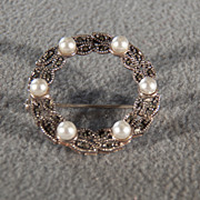 Vintage Sterling Silver Multi Round Marcasite Domed Cultured  Pearl Fancy Circle Design Pin Brooch
