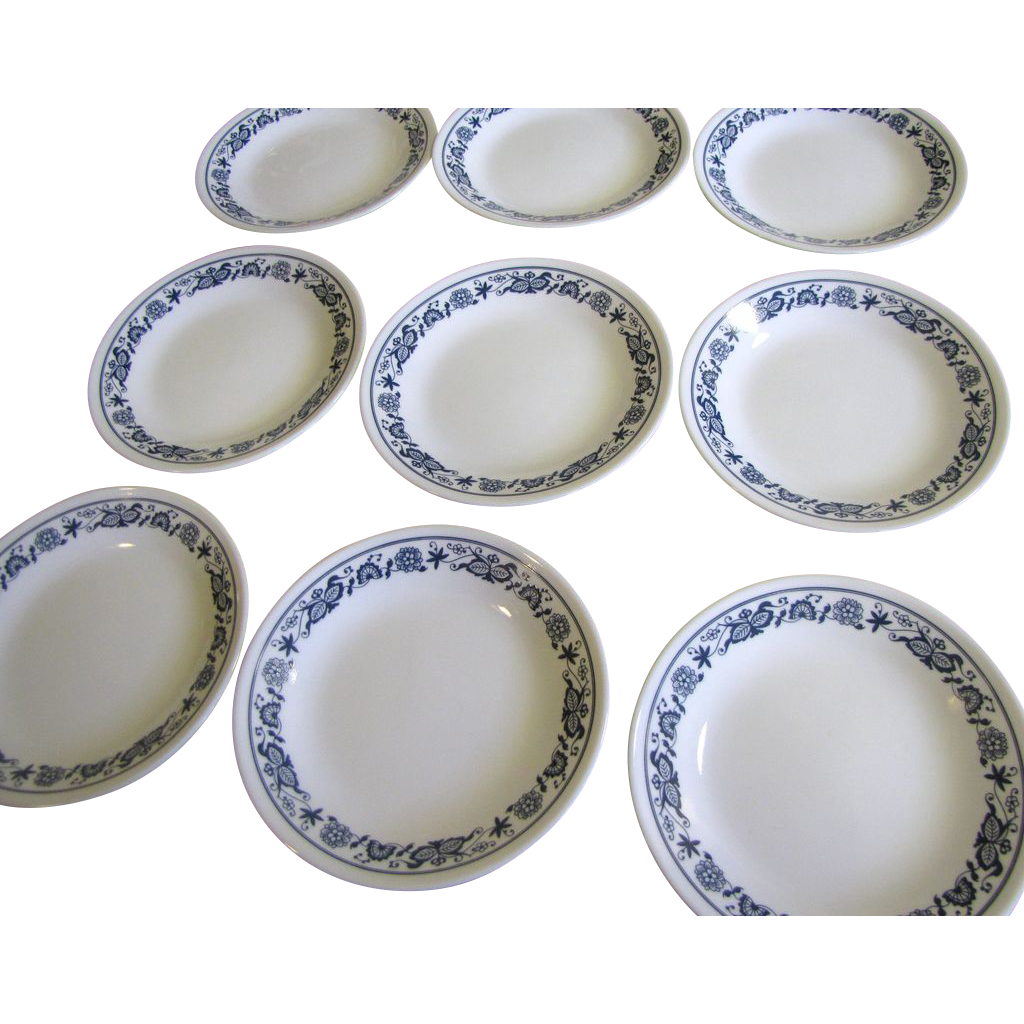 "Nine 6 3/4"" Plates 1970's Corning Pyrex Old Town Blue Onion"
