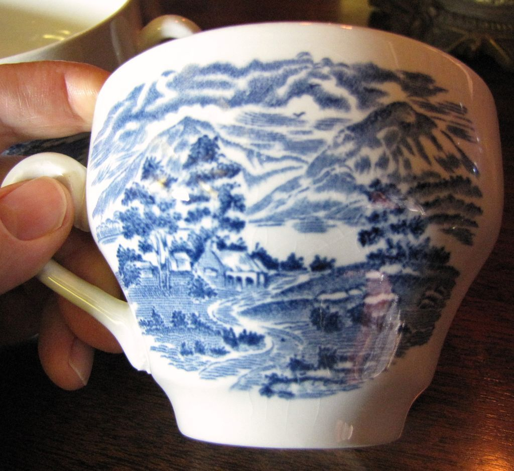 3 Cups in the Lochs of Scotland Pattern, Royal Warwick VGC