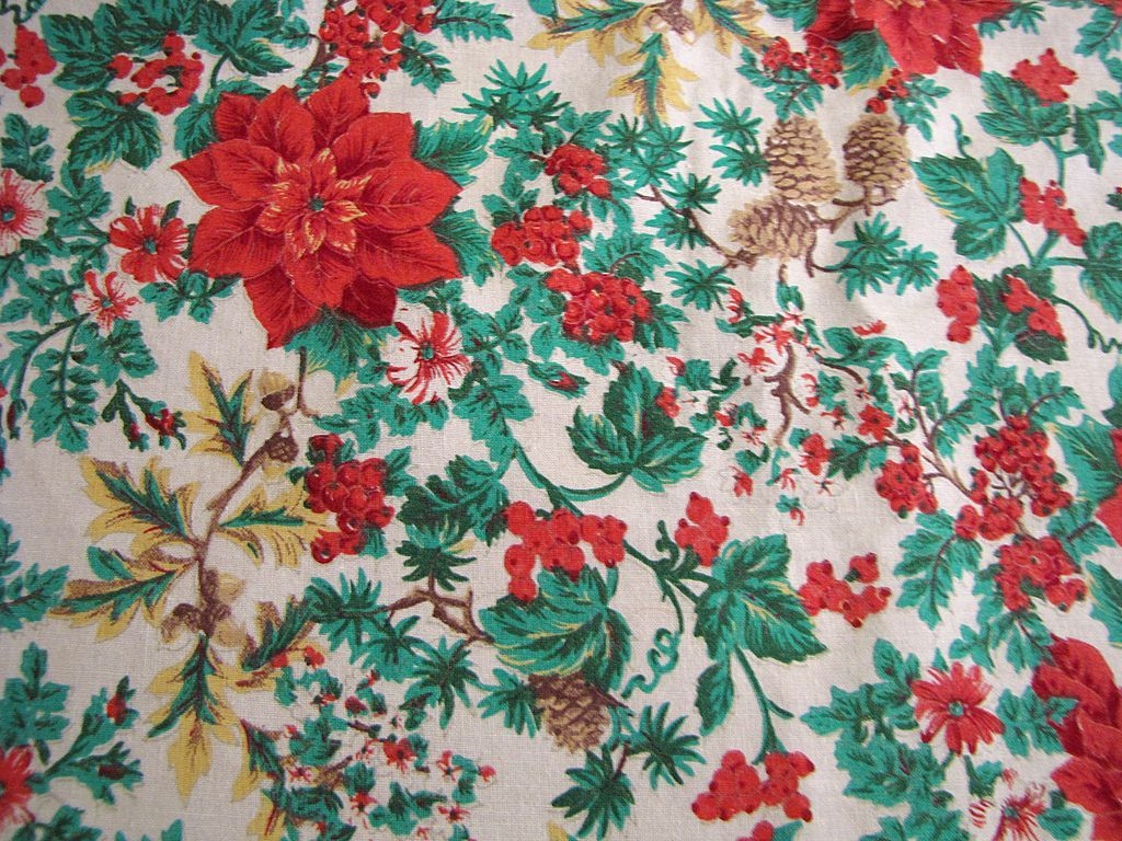 Pretty Vintage Cotton Christmas Poinsettia Tablecloth with Lace Edging
