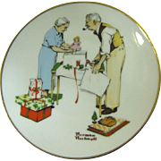 "Norman Rockwell 1982 Miniature Christmas Plate ""Holiday Gifts"""