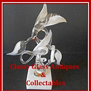 Unique Glass Bird Study by Colin Boone, Surrey, England. circa 1980's. Signed.