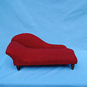 French Fainting Couch For Your Overwhelmed Fashion Poupee