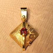 Geometric Design Garnet Pendant in 14K Yellow Gold