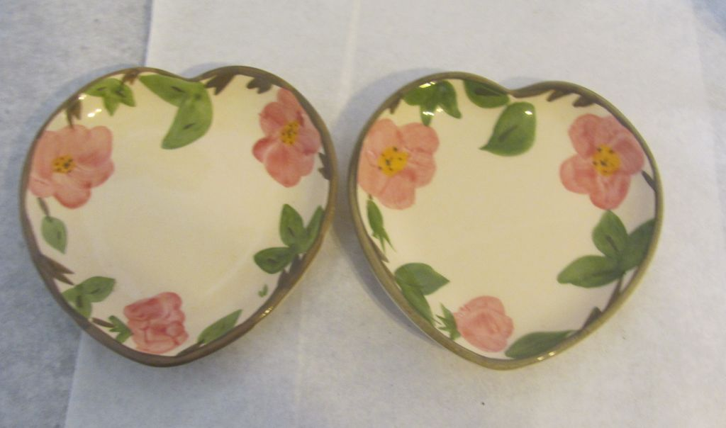 Nice pair of Franciscan desert rose heart Candy nut dishes dish!!