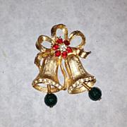 Stunning vintage gold tone bell pin rhinestone brooch