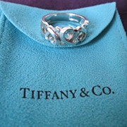 """Tiffany & Co """"Paloma Picasso"""" Sterling Silver Triple Loving Hearts Ring-Sz 7.25"""