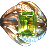 Peridot & Diamond Ring in 14 Karat Gold