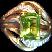 Peridot & Diamond Ring in 14 Karat Gold