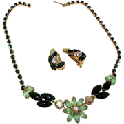 Juliana Delizza & Elster Style Peridot Emerald Green Art Glass and Aurora Borealis Rhinestones Necklace and Clip On Earrings Parure Set