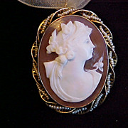 Victorian 10K gold cameo pin brooch pendant w/pearls