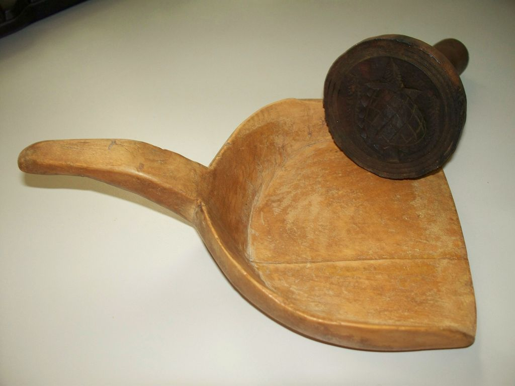 Antique American Large Wood Butter Paddle & Butter Mold Pineapple & Wheat Design