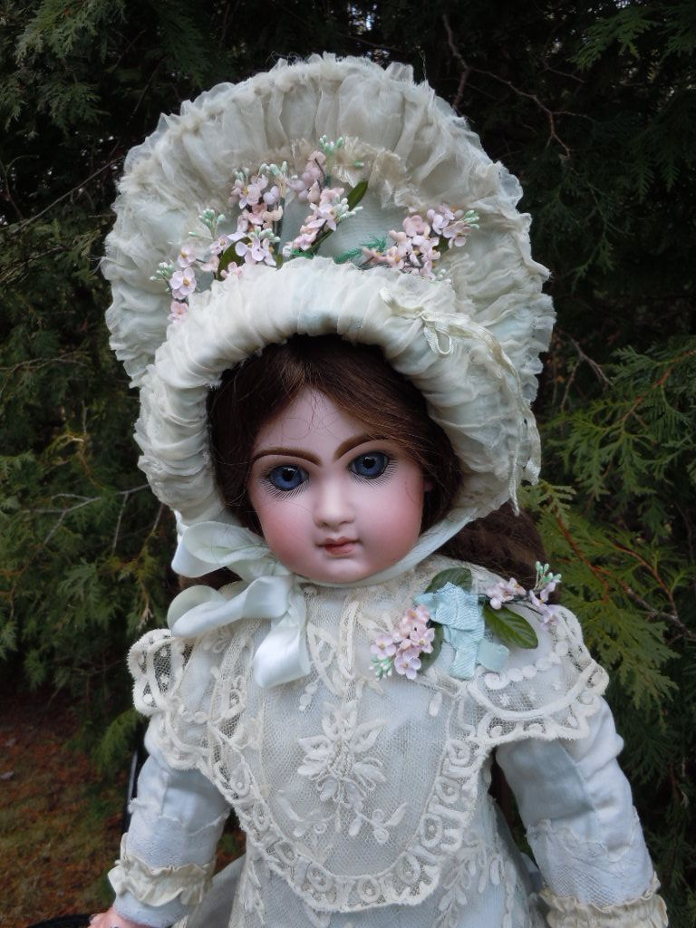 "Marvelous 22"" Antique French bisque bebe JUMEAU doll C.M. in Couturier Costume"
