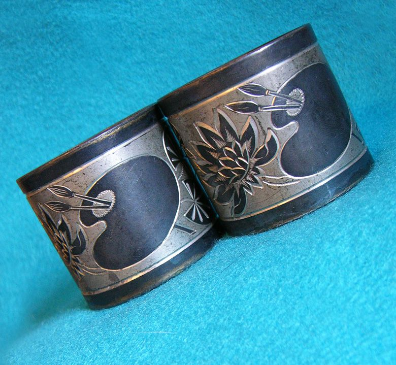 Antique WATERLILY & ARTISTS PALETTE Victorian Pair of Napkin Rings