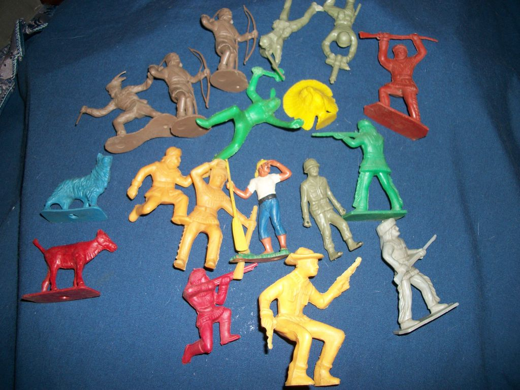 Large group of Playset figures some Aurora Nice Free P&I