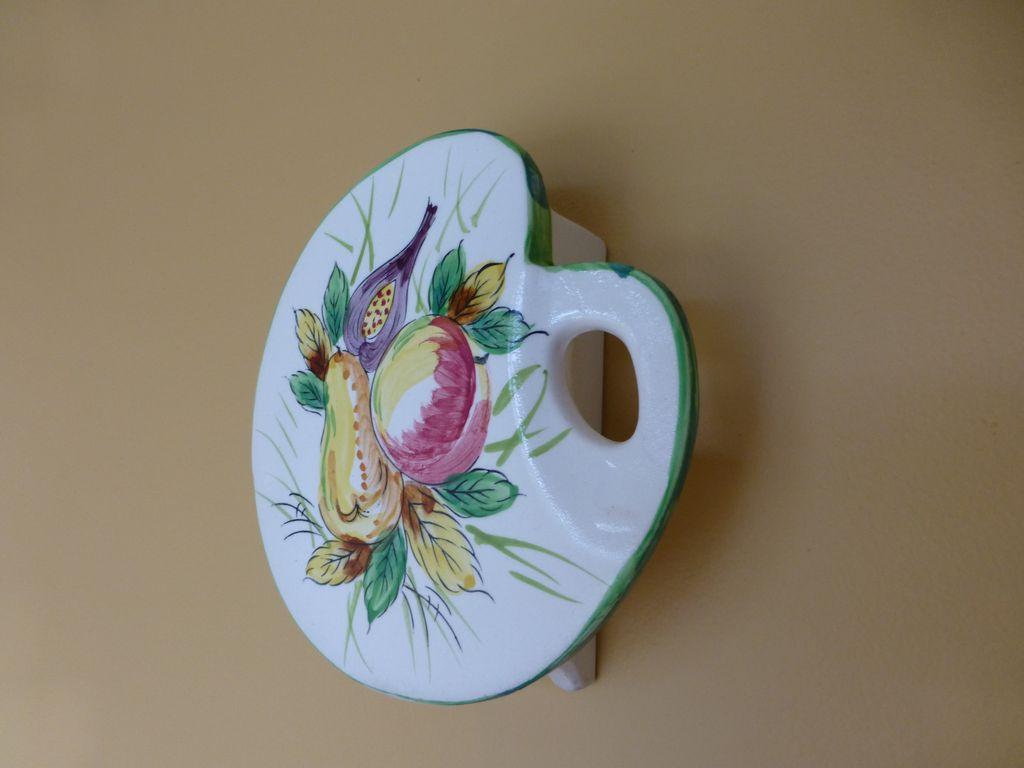Ucagco Wall Pocket Artist Pallet w Fruit  Japan