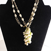 Vintage  Plastic Flower Cluster Necklace