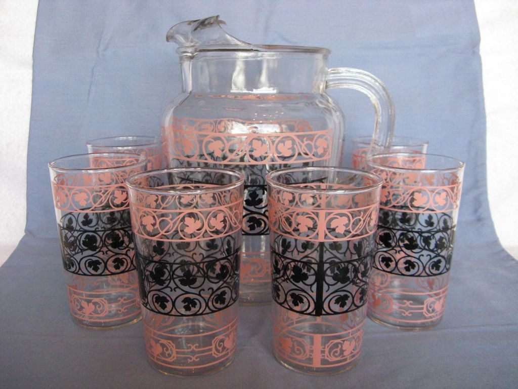 """Anchor Hocking """"Wrought Iron"""" Pitcher & 6 Matching Glasses in Pink & Black"""
