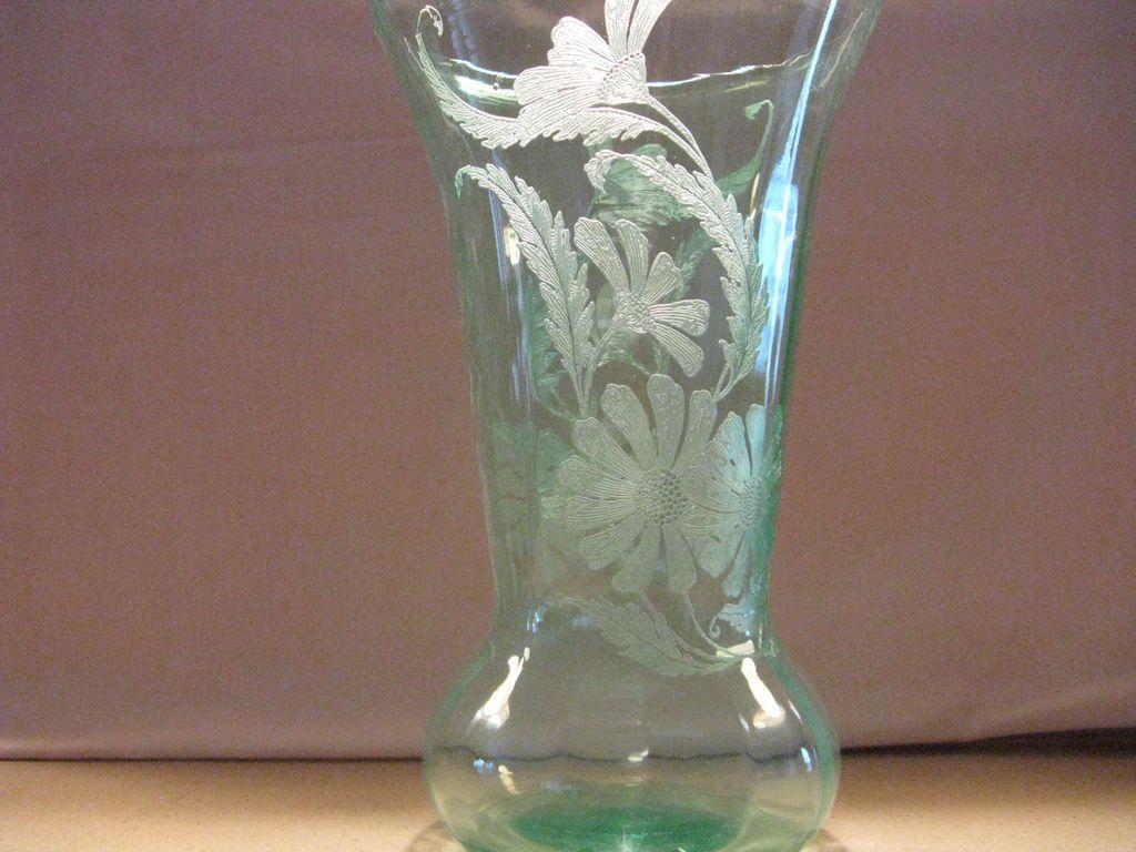 """Paden City Green 10"""" Daisy Vase"""