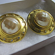 Rare Vintage Karl Lagerfeld Designer Signed Faux Pearl Brushed Gold Tone Rhinestone Earring