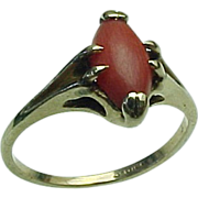 Vintage 14 K Yellow Gold Coral Ring