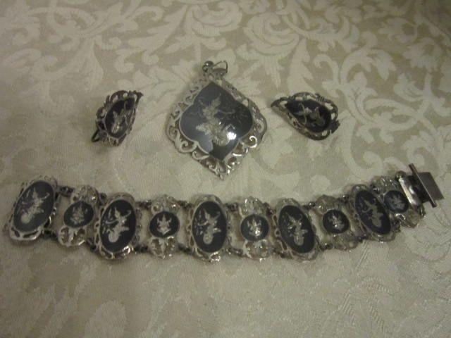 Vintage Siam Niello Bracelet Pendant and Screw back Earrings