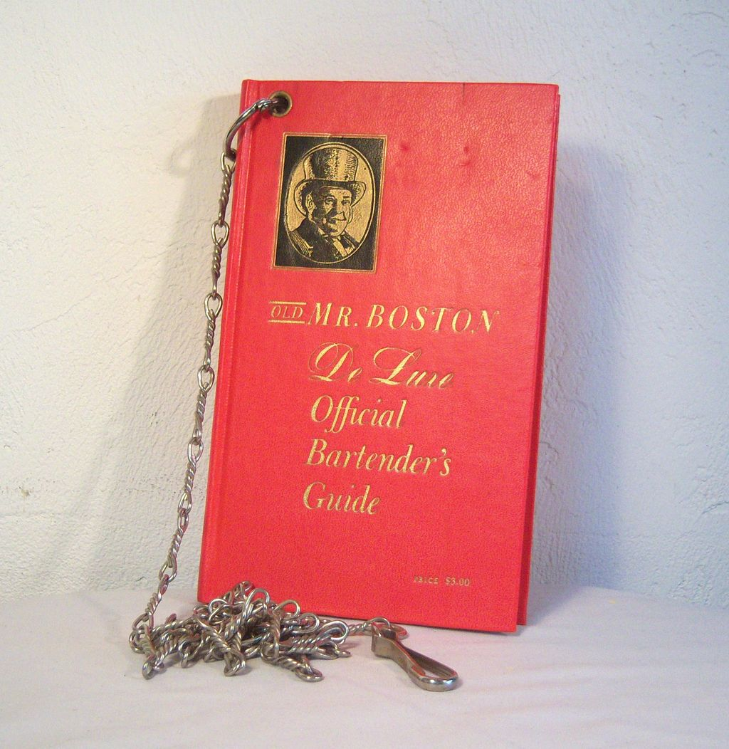 Old Mr. Boston De Luxe Official Bartender's Guide 1960