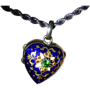 Vintage Valentine Heart Locket * * * * *