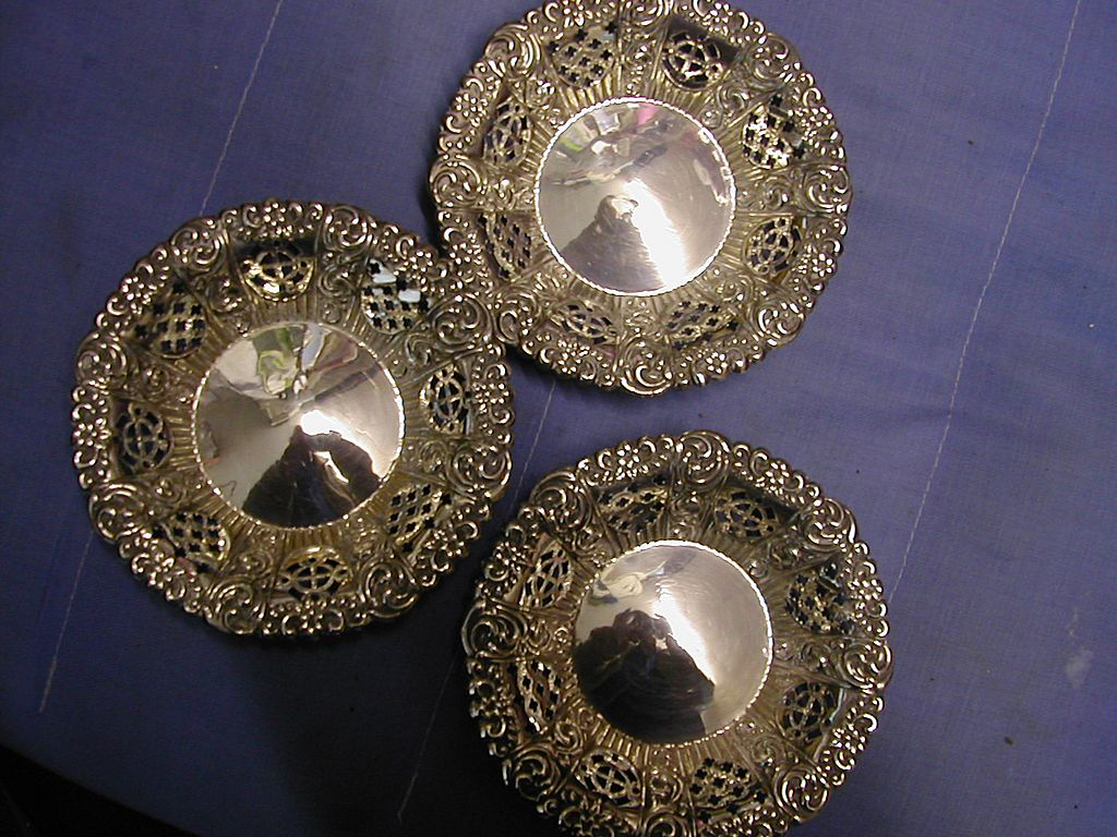 Set of 3 ENGLISH 1902 silver chased dishes