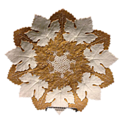 """Meissen Rare 10 year mark 9.5"""" gold and white leaf and berry mold plate in excellent condition circa 1814-1824"""