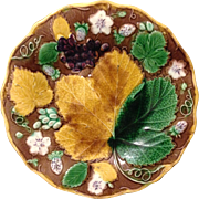 """Wedgwood 1860's Majolica Leaf and Berry 9"""" footed Tazza Compote"""