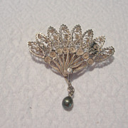 Early to Mid Victorian Filagree Fan Brooch