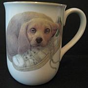 Otagiri-Harrison 2 Cups Puppy with a Shoe