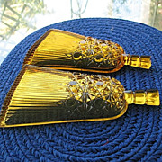 Amber Daisy Button 2 Whisk Broom Novelty Dishes
