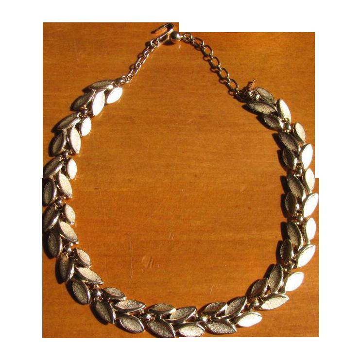 Vintage Trifari Brushed Goldtone Leaves Choker Necklace