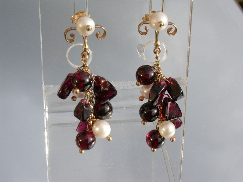 14kt Multi Garnet and Culture Pearl Cluster Dangle Earrings