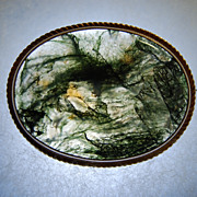 Moss Agate Broach in English 9CT Frame