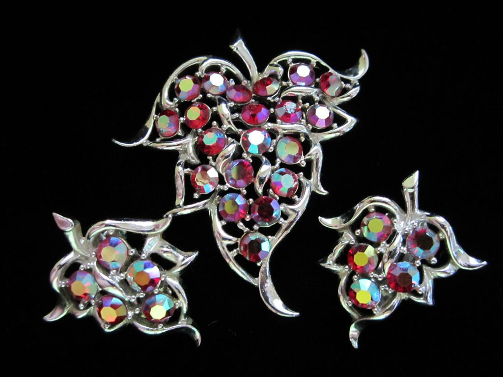 Vintage Sarah Coventry Rhinestone Brooch/Pendant and Earring Demi Parure