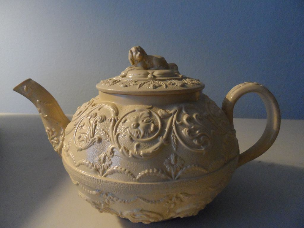 Teapot by Wedgwood/Smear Ware