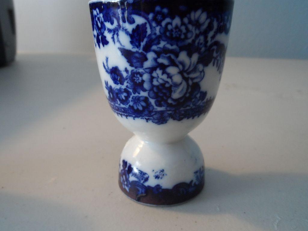 Flow Blue double egg cup