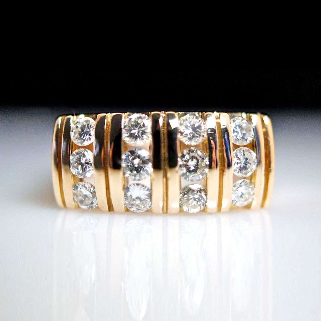 14k Yellow Gold .75ct Diamond Tapered Band Ring - Size 5.75