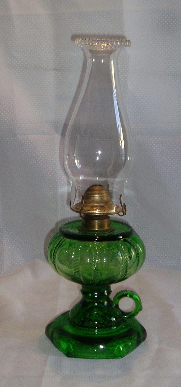 Antique green glass rope & fishscale pedestal oil/kerosene table lamp