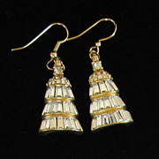 Gorgeous Vintage Baguette Rhinestone and Gold Tone Pierced Earrings